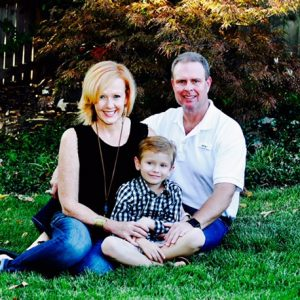 Embryo adoption parents Ronnie and Leslie Hollowell with their son Hudson.